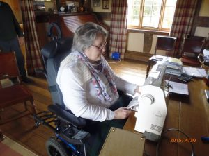 Using an adapted sewing machine